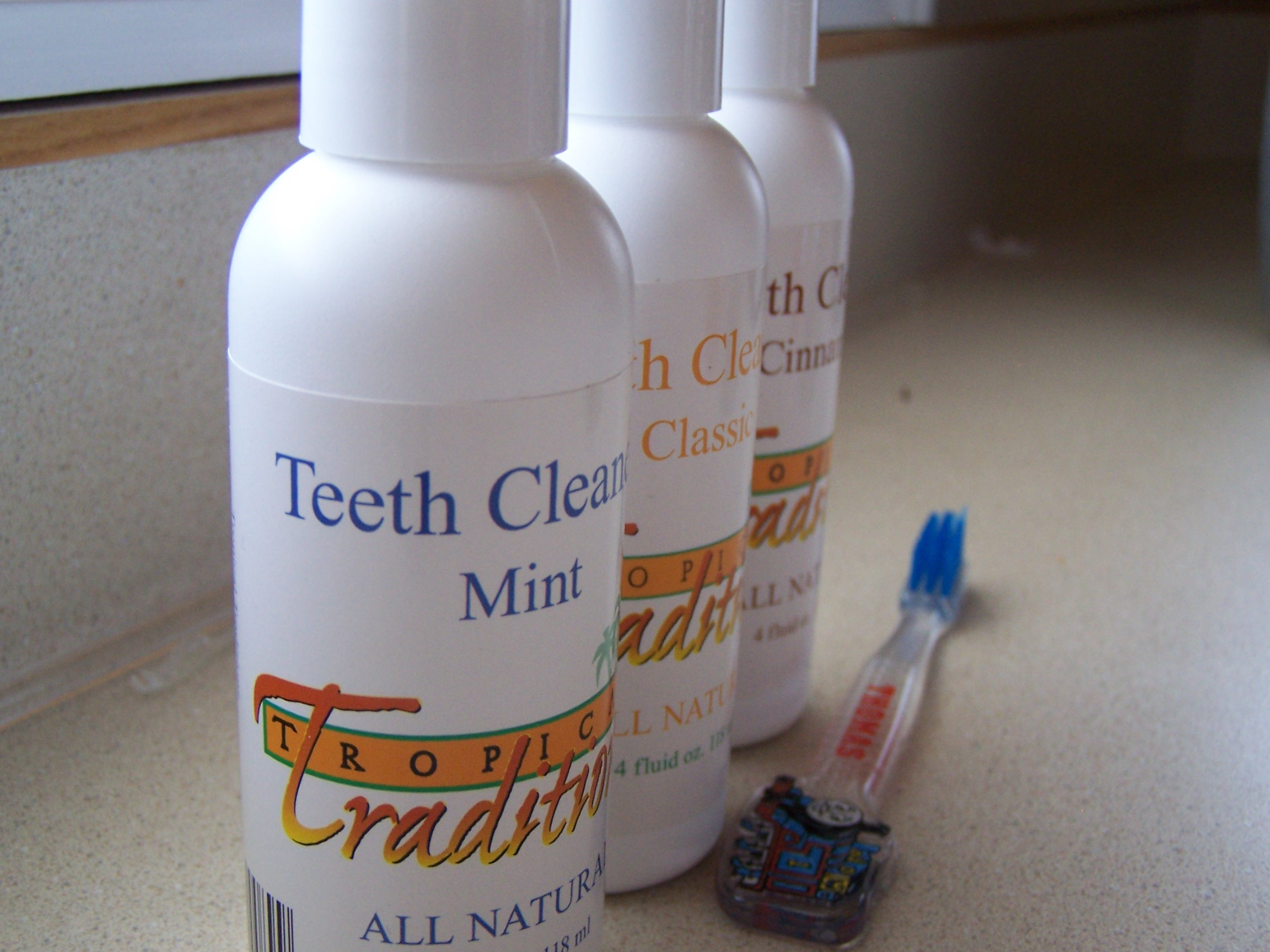 All Natural Teeth Cleaner