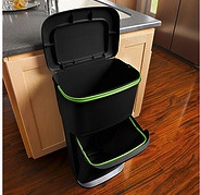 rubbermaid recycling garbage can