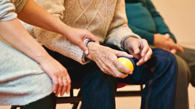 Different Ways To Support Elderly Relatives